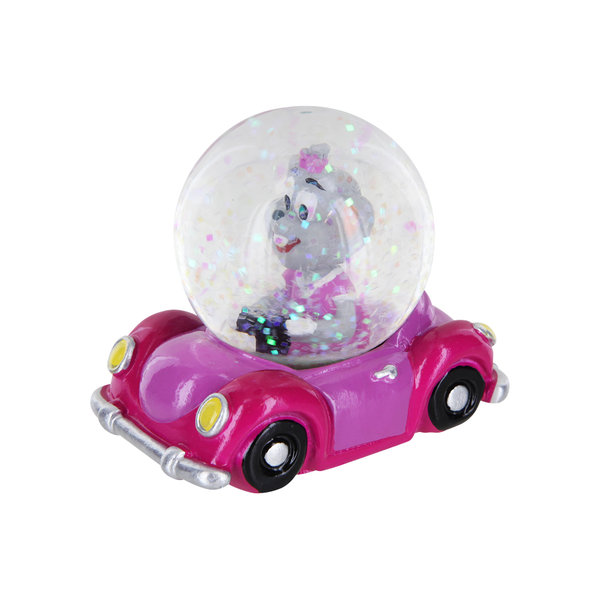 Snow Globe Edda in the car